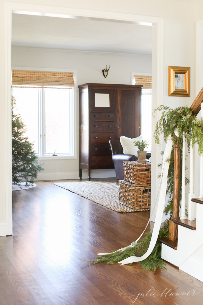 garland-on-stairs-traditional-christmas