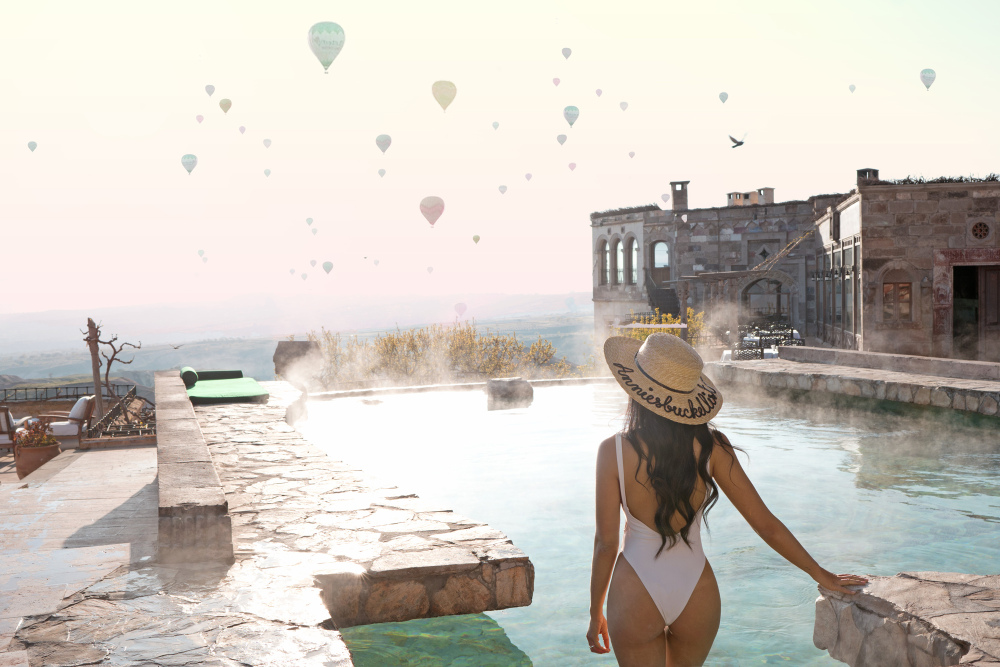museum-hotel-hot-air-balloon-pool